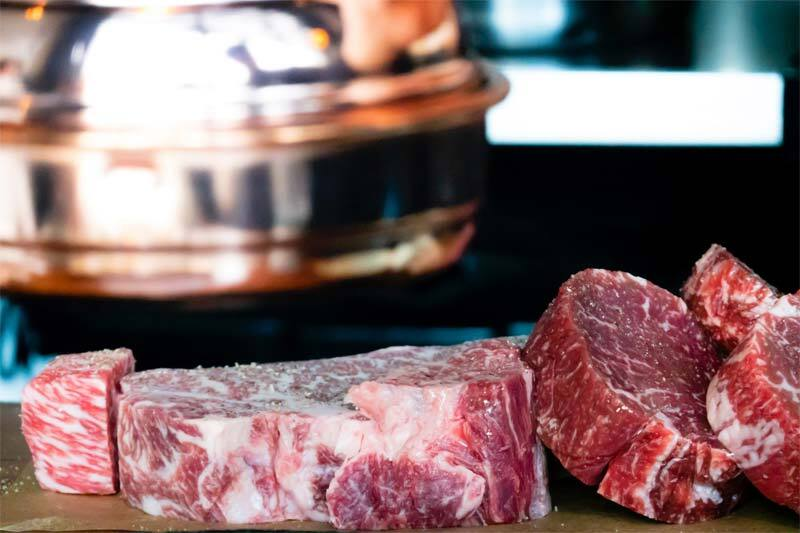 Beef for steak, a type of lean meat from the five food groups for healthy eating
